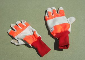 gloves for chainsaw use