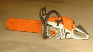 how to maintain a chainsaw with scabbard