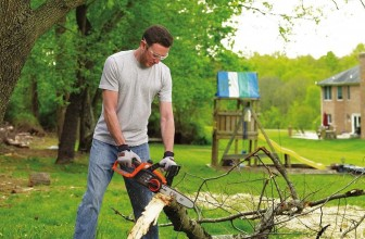 Gas Chainsaws vs. Electric Chainsaws – Pros & Cons